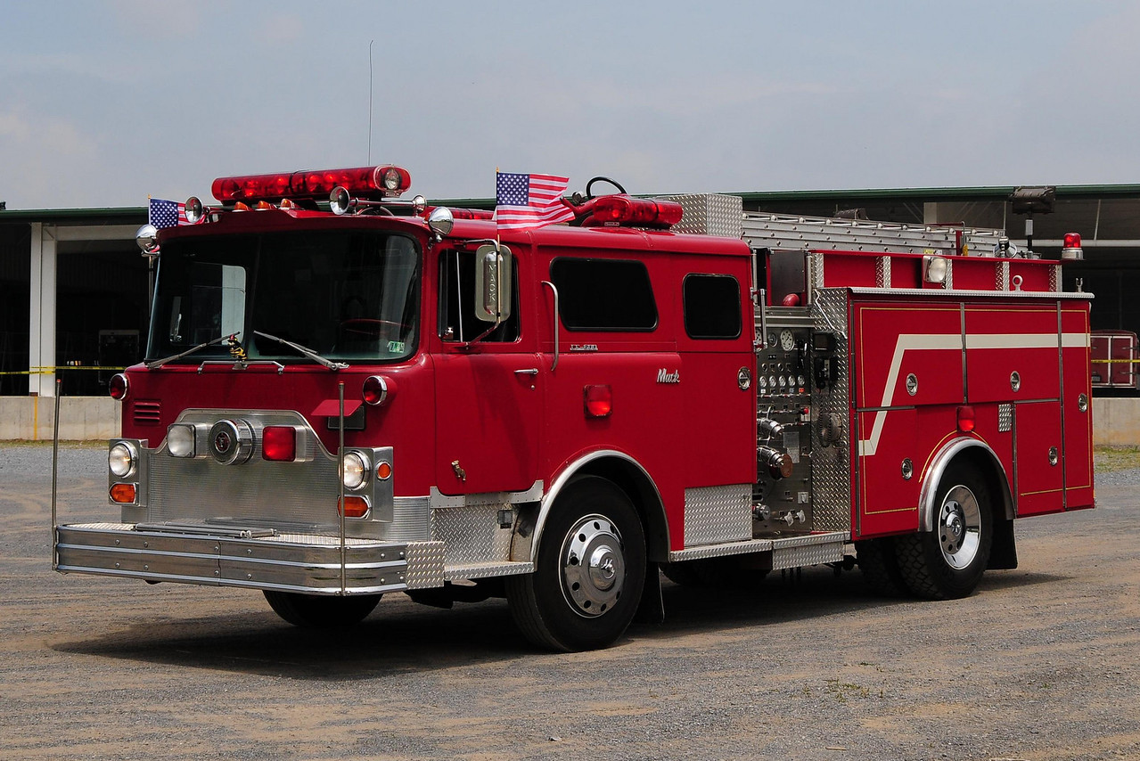 Ex- New Kensington  1970 mack  CF 1000/  750   refurb in 1988 by  4-guys  Mack serial #  CF 685 F10 1209   now  owned  by  a collector