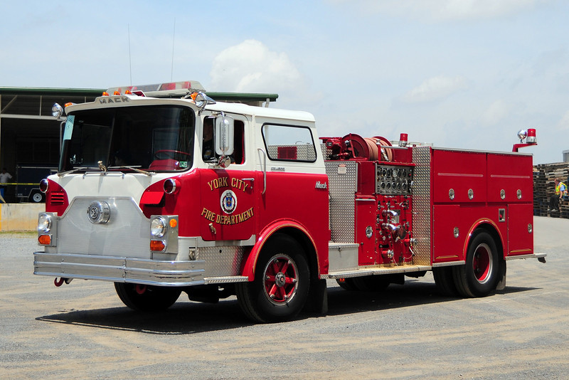 York City   Engine  5    1973  Mack CF   1250 / 500