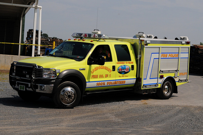 Londonderry  Utility 54   2005 Ford  F-450 Swab Body
