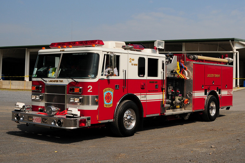 Lancaster Twp  Engine  66-2   1995  Pierce  Lance  1500/ 640