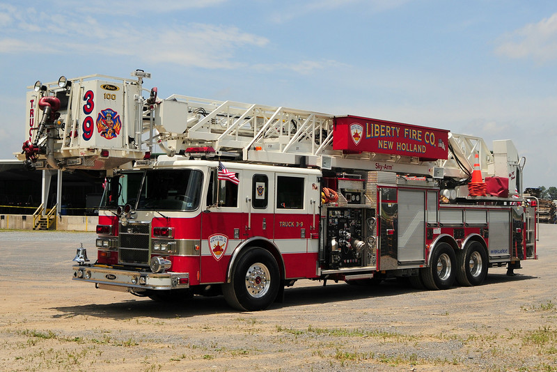 Liberty Fire Co  Truck  39   2002 Pierce Dash  2000/ 300  100ft  Sky Arm  Ladder
