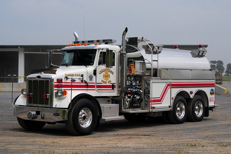 Christiana  Fire Co  Tanker  5-2-2   2005  Peterbuilt / Pierce 1500/ 3000