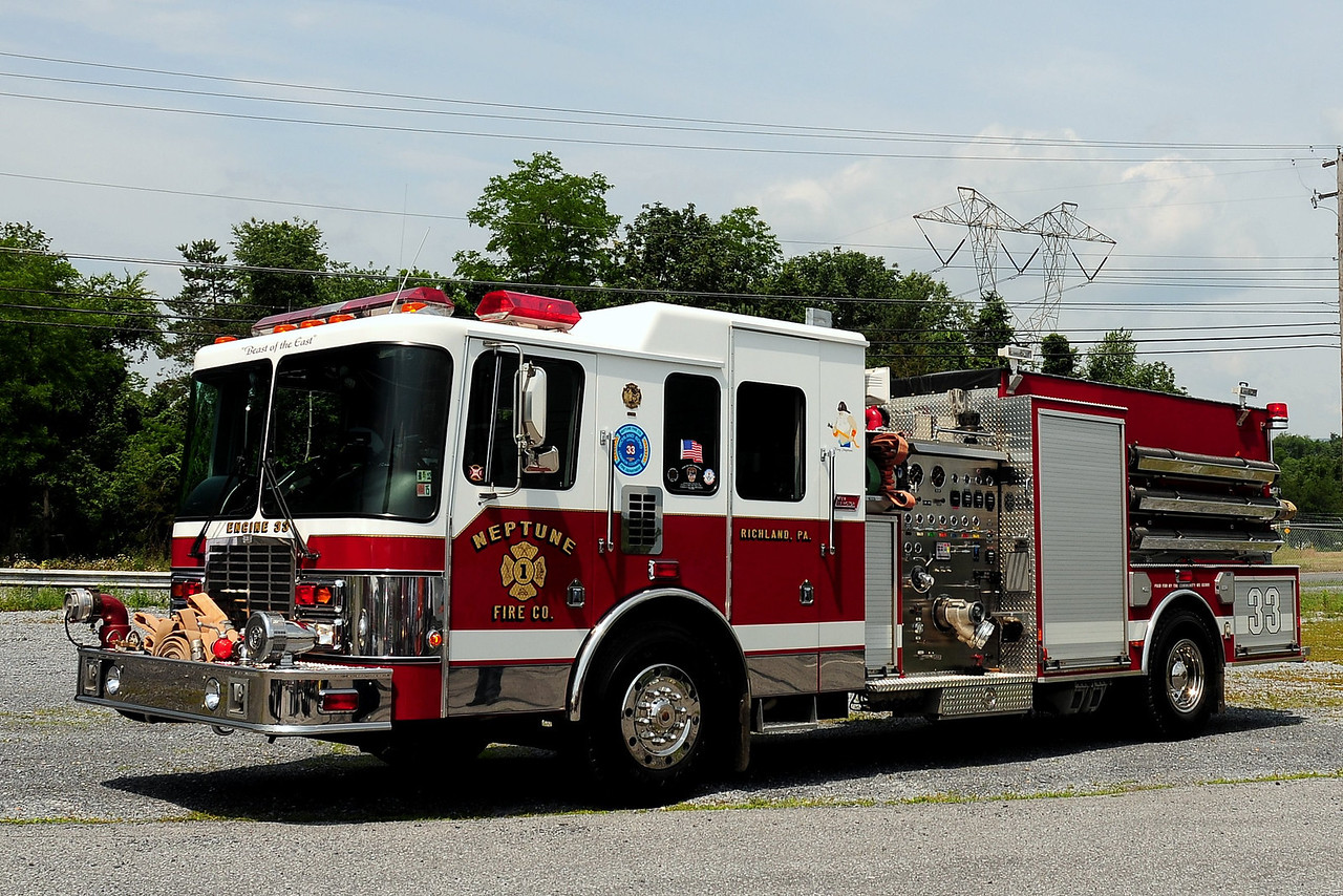Neptune Fire Co  Engine 33  1998 HME/ New Lexington  1550/ 1250