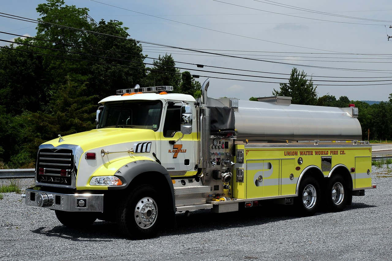Union Waterworks Fire Co  Tanker 7 2007 Mack Granite/ KME 1200/ 3500