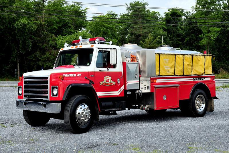 Glenn Lebonan Fire  Co   Tanker  42   International  500/1200