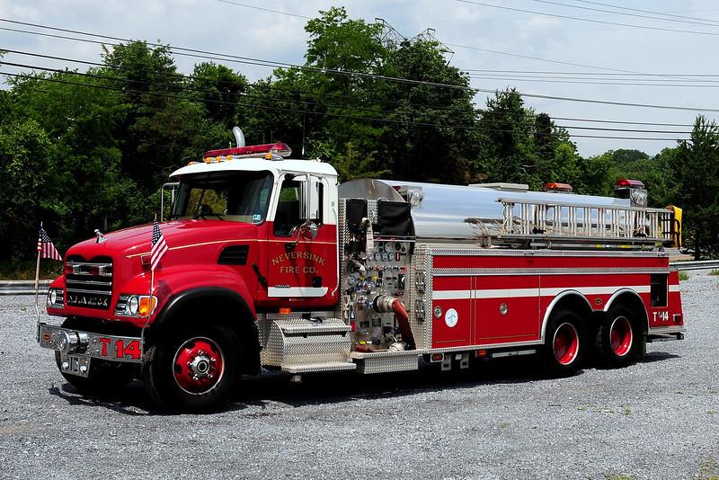Neversink Fire Co  Tanker 14  2001 Mack Granite/ KME 1500/ 3000