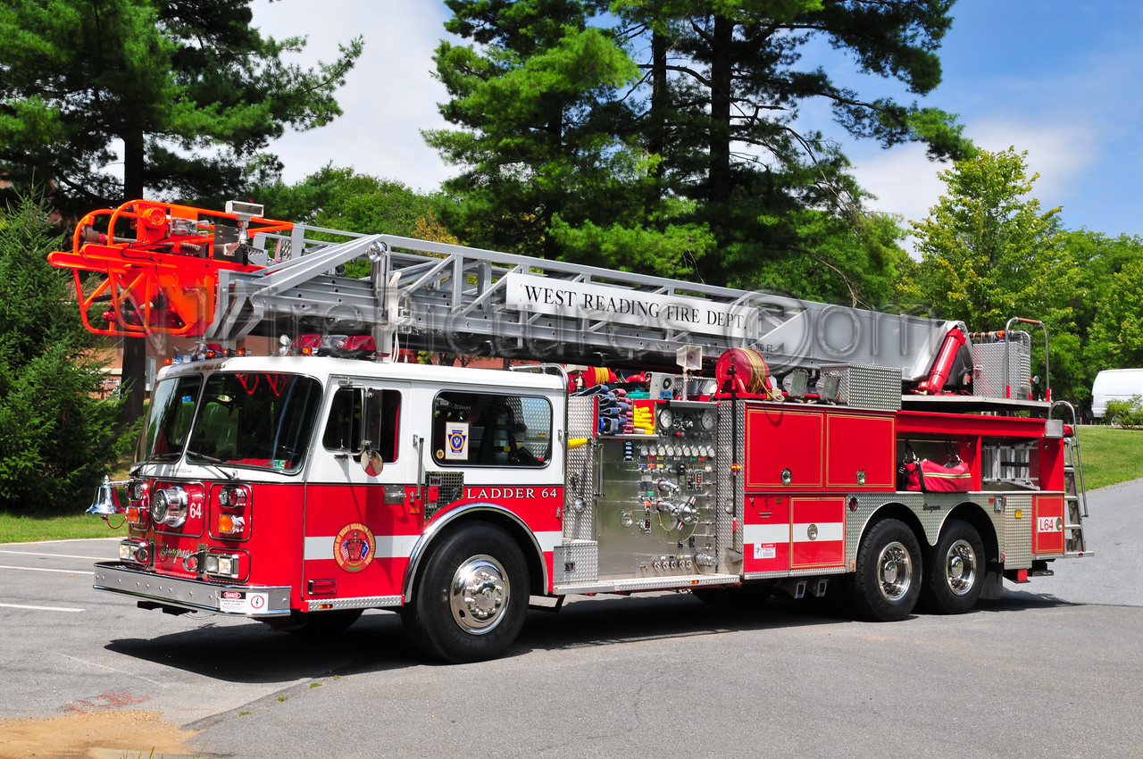 West Reading, PA Ladder 64 - 1987 Seagrave 1500/300/100'