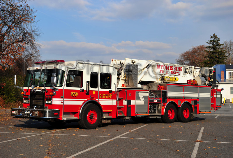WYOMISSING TOWER 79 - 1999 SPARTAN/LTI 1500/200/93'