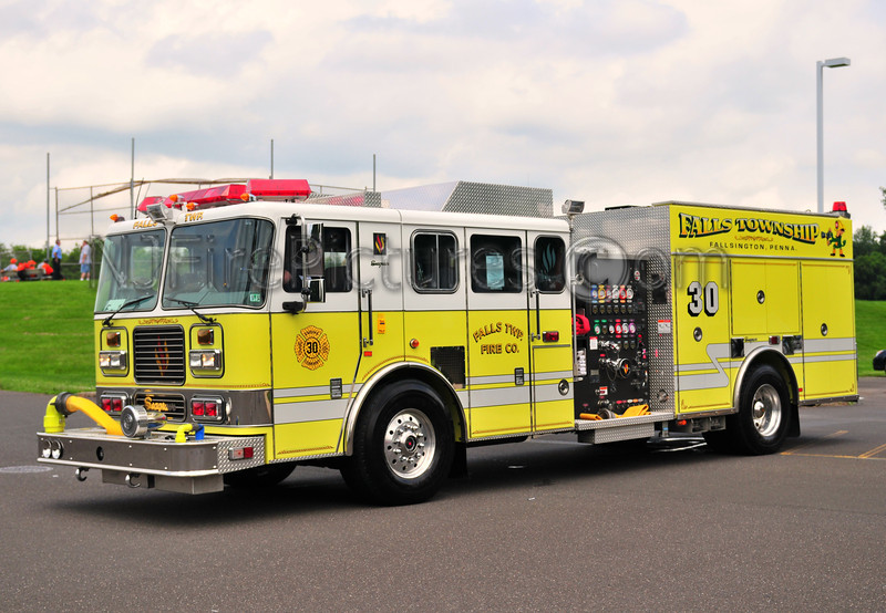 Falls Twp Engine 30 - 2004 Seagrave 1500/500