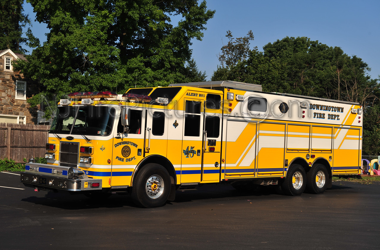 DOWNINGTOWN, PA (ALERT F.C.) RESCUE 45 - 2006 PIERCE LANCE