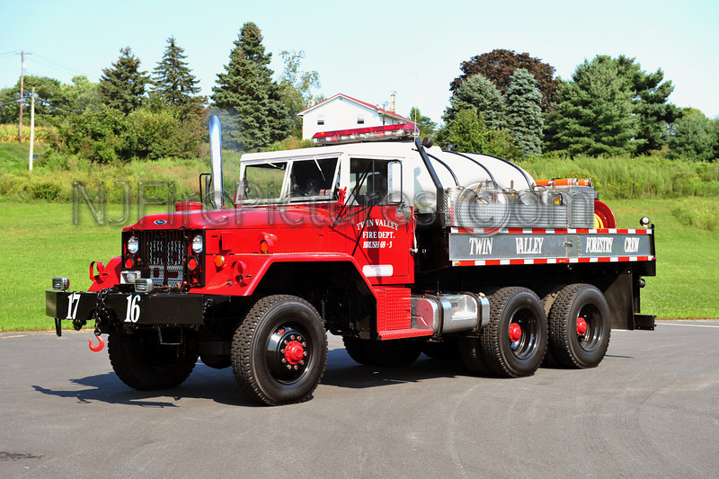 MORGANTOWN, PA BRUSH 69-3 - 1972 AM GENERAL/DARLEY 250/1000 EX-US MILITARY DUECE (TWIN VALLEY FIRE DEPT)