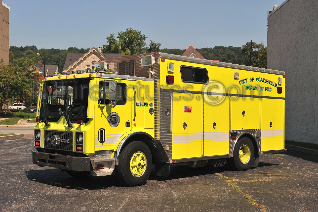COATESVILLE, PA RESCUE 43 - 1991 MACK MR/SAULSBURY