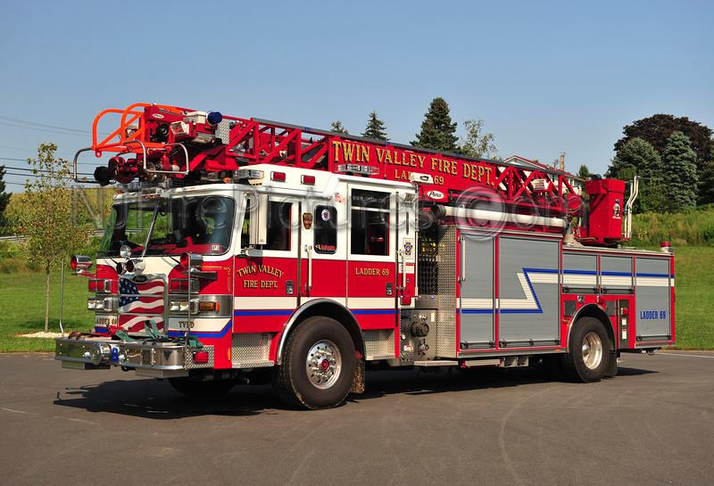 MORGANTOWN, PA LADDER 69 - 2009 PIERCE ARROW XT PUC 2000/500/40/75' (TWIN VALLEY FIRE DEPT.)