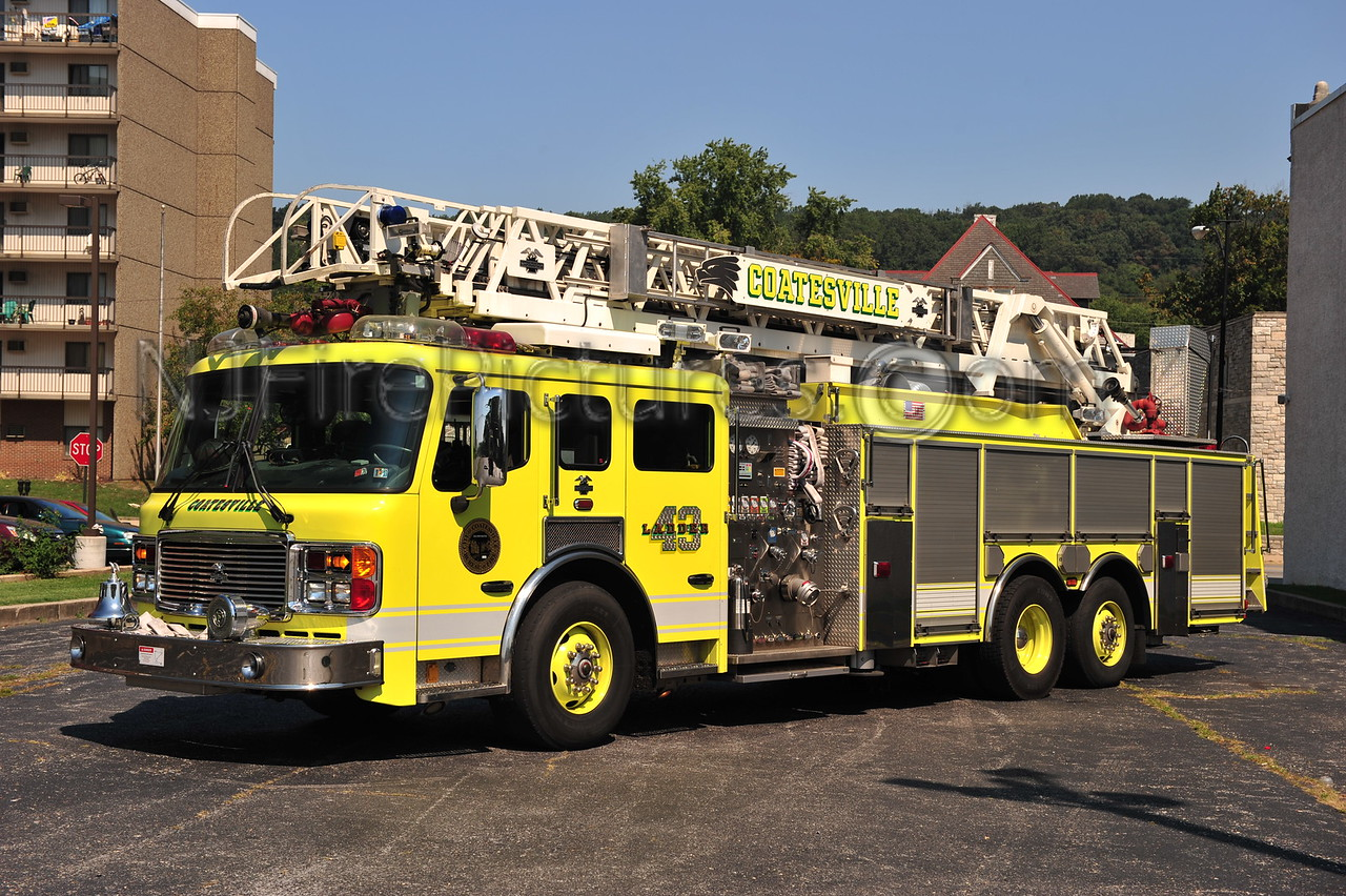 COATESVILLE, PA LADDER 43 - 2003 AMERICAN LAFRANCE 2000/500/100'