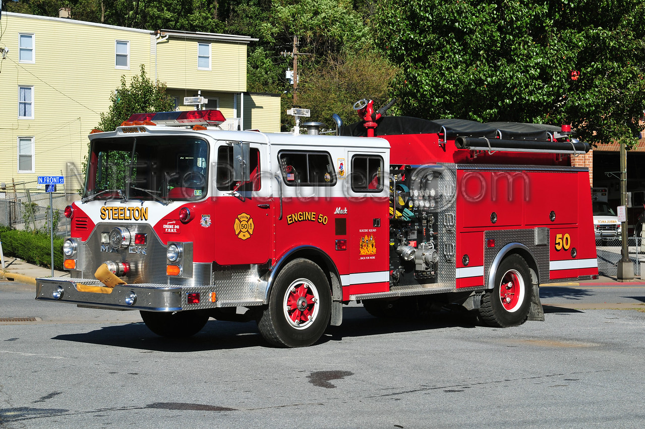 STEELTON ENGINE 50 - 1980 MACK CF/ITE 1000/500 EX-FDNY ENGINE 241