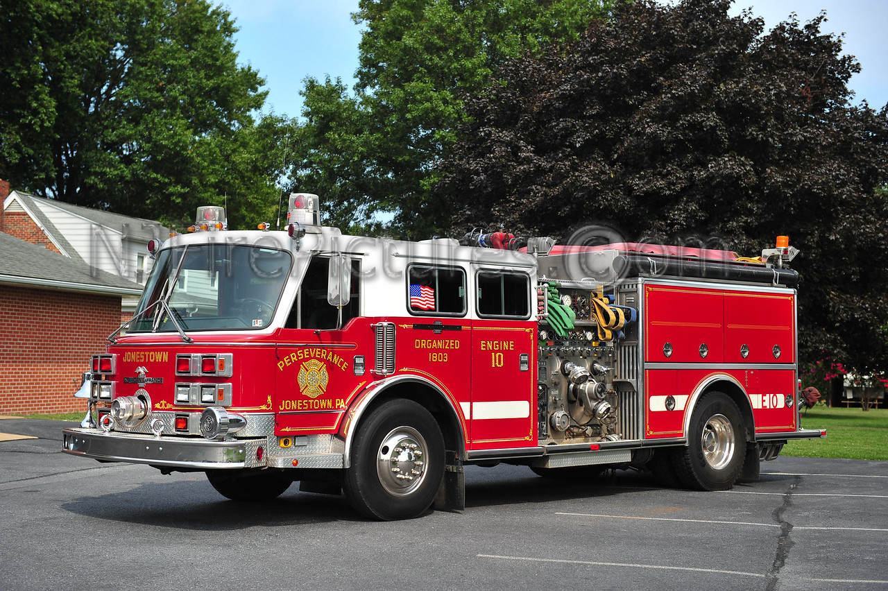 JONESTOWN, PA ENGINE 10-1 - 1989 AMERICAN LAFRANCE 1500/500