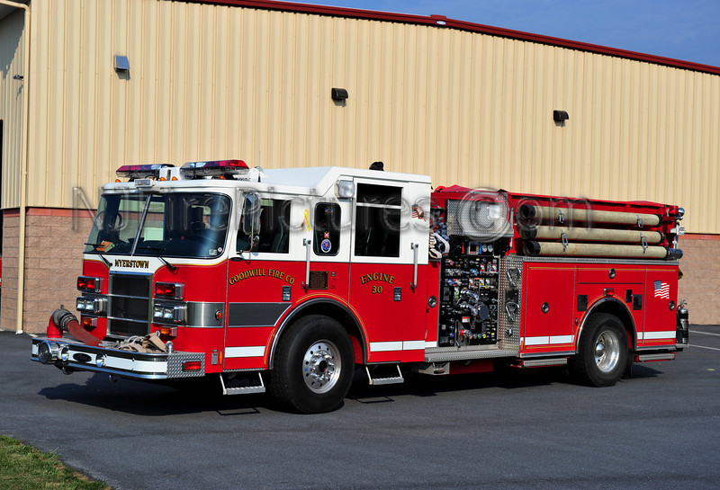 MEYERSTOWN (GOODWILL F.C.) ENGINE 30 - 2002 PIERCE DASH 2000/1500/40A