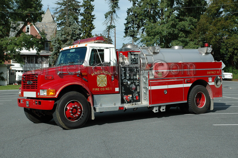 Macungie - Tanker 1521 - 1998 International/Pierce 500/1800