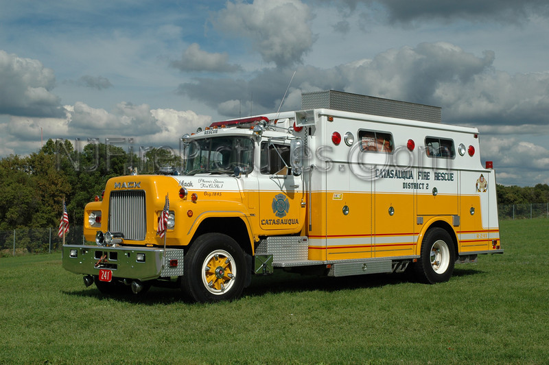 Catasauqua - Rescue 241 - 1976 Mack R/Hammerly