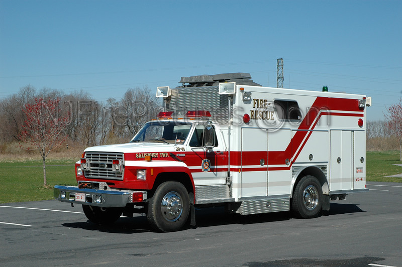 Eastern Salisbury - Rescue 2041 - 1989 Ford F800/E-ONE