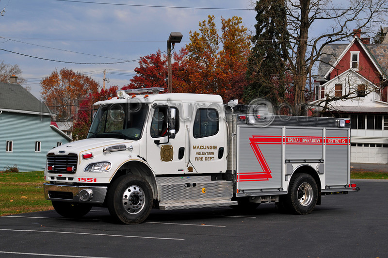 MACUNGIE, PA 1551 - 2011 FREIGHTLINER/ROSENBAUER