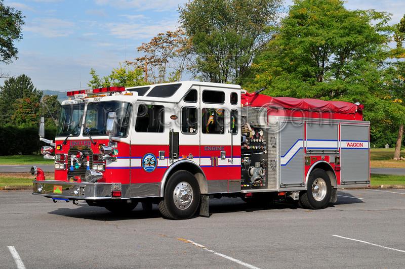 LEWISTOWN ENGINE 11 - 2002 KME 1500/750 (UNITED FIRE CO.)