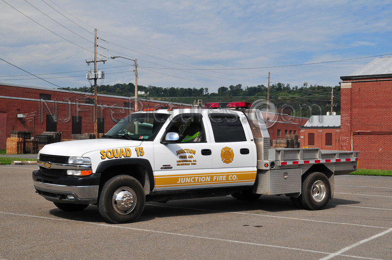 GRANVILLE TWP (JUNCTION FIRE CO.) SQUAD 15 - 2002 CHEVY 3500