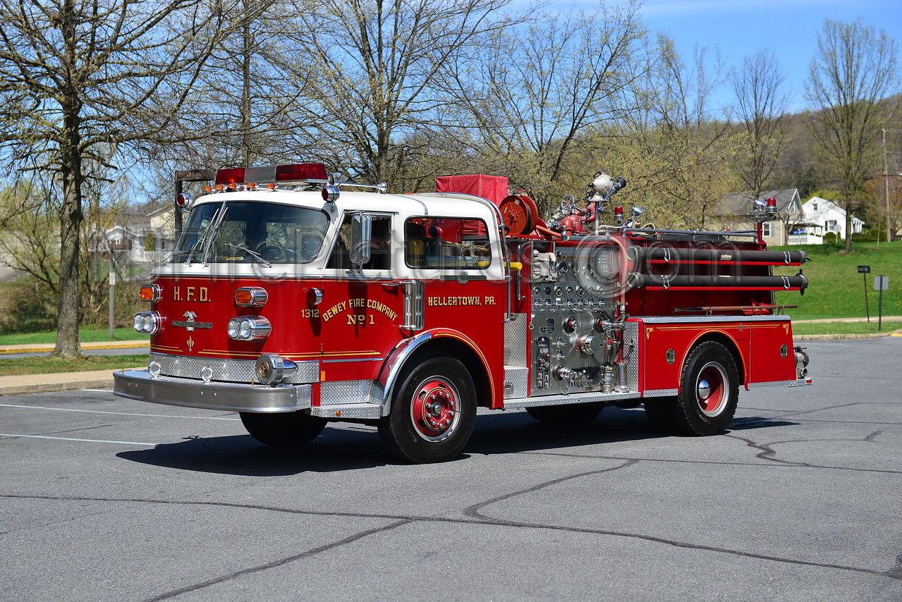 HELLERTOWN, PA ENGINE 1312 - 1977 AMERICAN LAFRANCE 1000/500 PRIVATELY OWNED