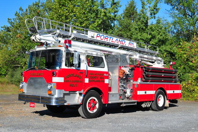 Portland, PA  3321 - 1982 Mack CF 1000/500/50'