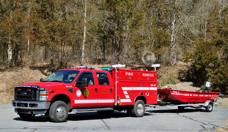 LOWER MOUNT BETHEL (SANDT'S EDDY FIRE CO.) RESCUE 2644 - 2008 FORD F350/READING WITH 2000 LOWES ROUGHNECK BOAT