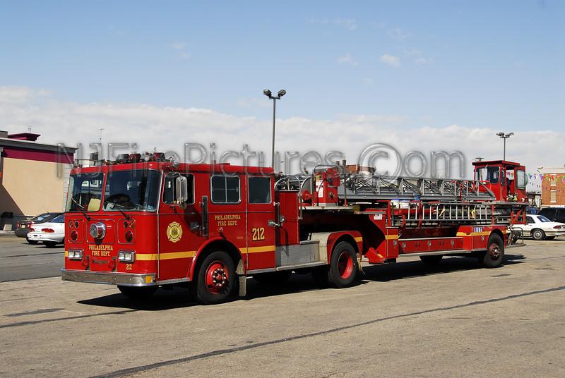Spare Ladder 212 - 1990 Seagrave 100' TDA #905520