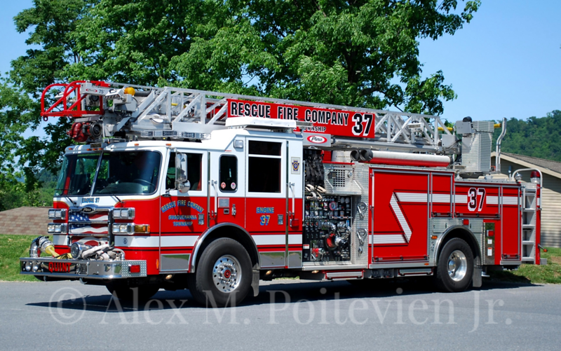 Rescue Fire Company<br /> Engine-Ladder 37<br /> 2007 Pierce Dash 1500/500/75'<br /> Photo by: Alex M. Poitevien Jr.