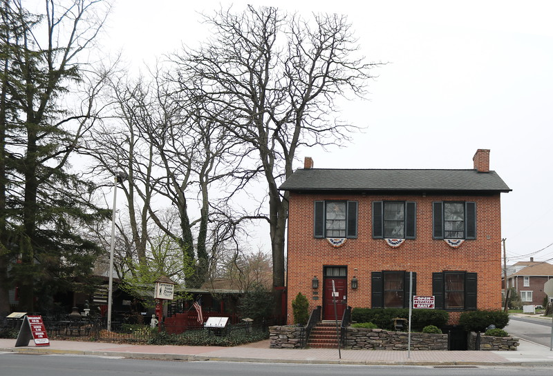 Historic Farnsworth House Bed & Breakfast
