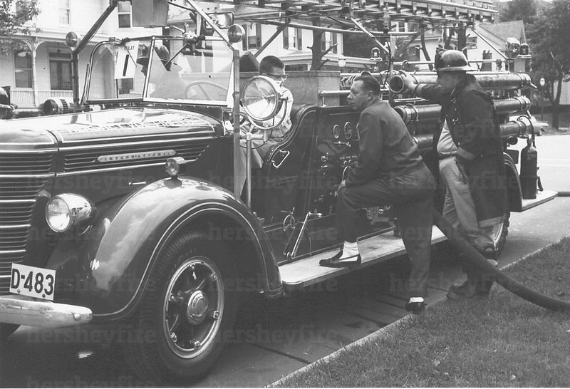Hershey 1938 International engine w/ladder rack