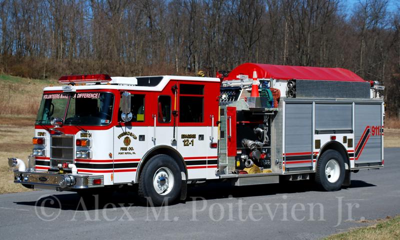 Friendship Fire Company<br /> Port Royal, PA<br /> Engine 12-1<br /> 2000 Pierce Saber 2000/1000<br /> Photo by: Alex M. Poitevien Jr.