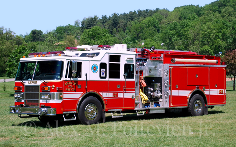 Akron Fire Company<br /> Engine 1-2-1<br /> 2001 Pierce Lance 2000/1000<br /> Photo by: Alex M. Poitevien Jr.