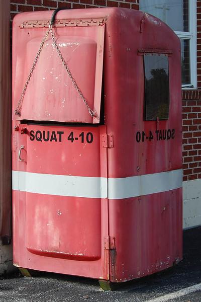 """""""Squat 4-10"""""""