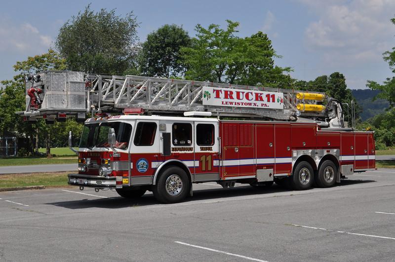 Truck 11<br /> 1994 E-One Hurricane 95'