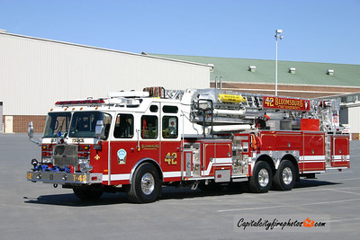 Bloomsburg Truck 42: 2005 E-One 2000/300 95'