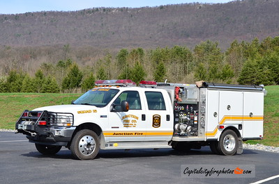 Junction Fire Co. (Granville Township) Squad 15: 2004 Ford F-550/Darley 750/300/30 (X-Calcutta, OH)