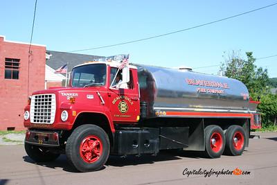 Beaverdale X-Tanker 22: 1974 Ford 250/3200