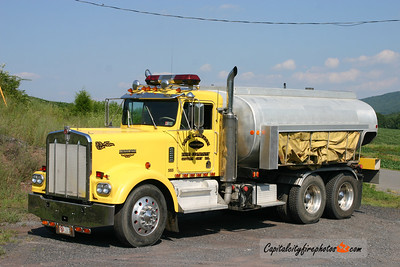 East Cameron Township Tanker 353: 1974 Kenworth/Allied 500/300