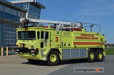 Lehigh Valley International Airport Rescue 3: 1993 Oshkosh 1950/3000/425 52'