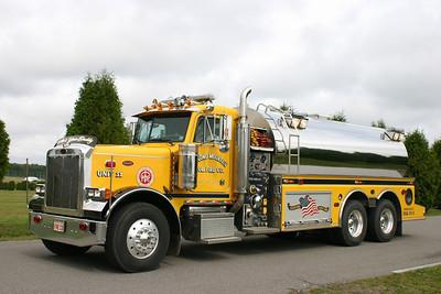 Pocono Mountain Tanker 11: 2003 Peterbilt/S&S 750/3700