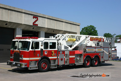 Harrisburg X-Tower 3: 2002 KME 1500/130 95'   (** now serving Pottersville, NY **)