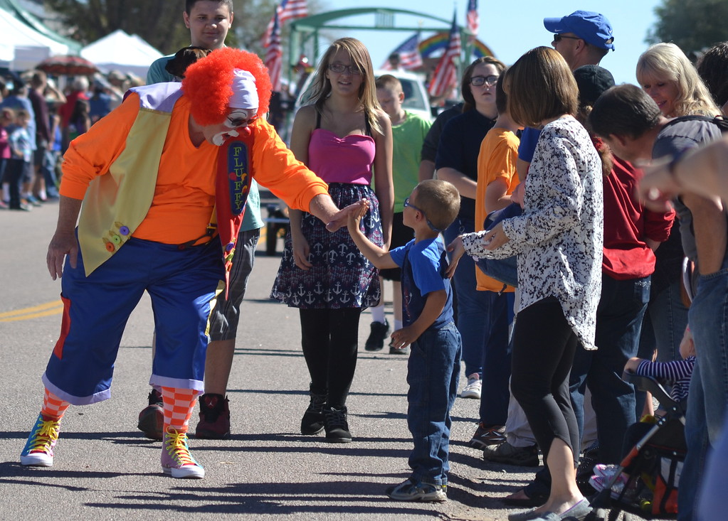 . Saturday\'s annual Apple Day Parade. Carie Canterbury/Daily Record 10-1-16