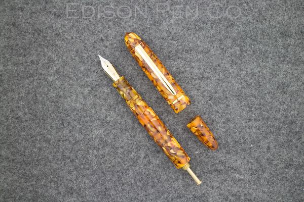 Menlo Pump Filler in Golden Flake Acrylic