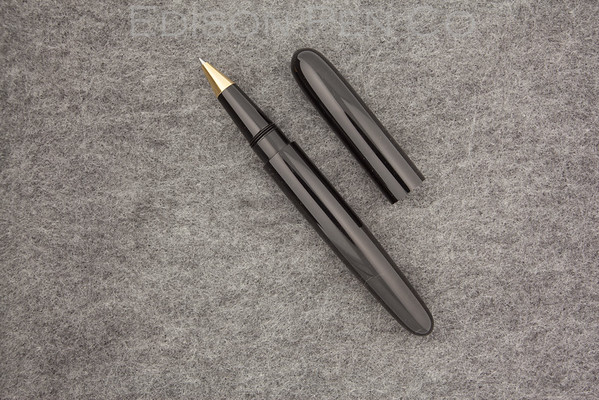 Extended Pearl Rollerball in Black Acrylic
