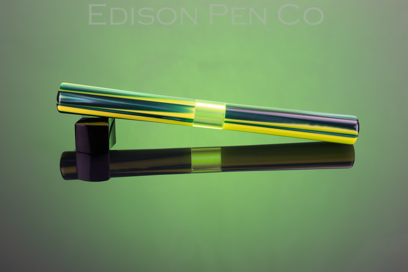 Extended Mina Level in Green Yellow White Striated with Uranium Glass Window