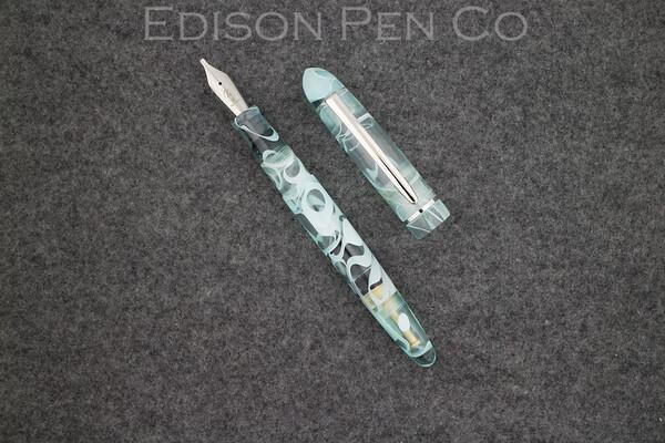 Menlo Pump Filler in Mint Translucent Swirl